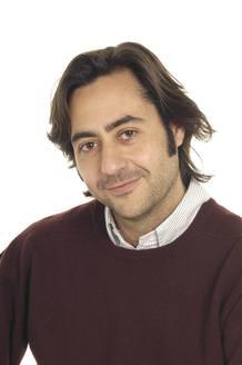 Enrique Mazas Pino, director y presentador de Clarín.