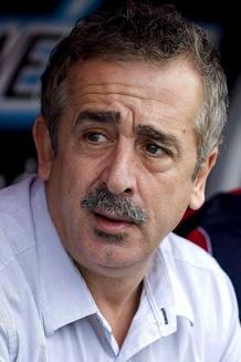 El entrenador cántabro Manuel Preciado ha fallecido por un infarto a los 54 años en Valencia.