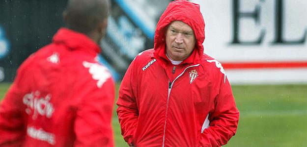 El entrenador del Sporting de Gijón, Javier Clemente.