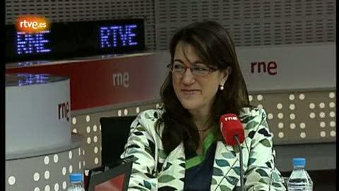 Ver vídeo  'Entrevista a la portavoz del PSOE en el Congreso, Soraya Rodríguez, en RNE.'