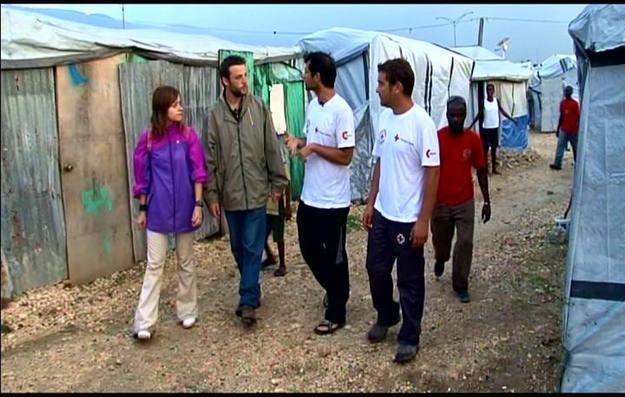 El equipo de Buscamundos visita el campo de damnificados con cruz roja