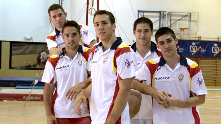 El equipo espa&ntilde;ol de gimnasia muestra sus cartas para Londres 2012