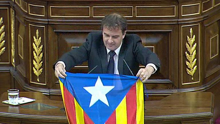 ERC exhibe en el Congreso una bandera independentista catalana