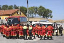 El escuadrón leonés de la Unidad Militar de Emergencias, antes de ser desmovilizado en el incendio de la Sierra de Béjar, el 12 de agosto