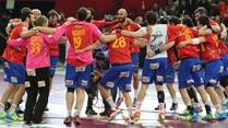 España gana a Dinamarca con un gol en el último segundo