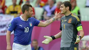 España se queda sin pólvora para superar a Italia en el cuerpo a cuerpo
