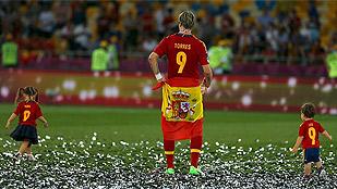 España supera la historia para entrar en la leyenda con la triple corona