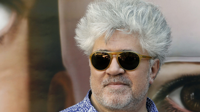 Almod&oacute;var echa la vista atr&aacute;s