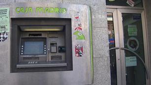 Ver vídeo  'Espectacular atraco a una sucursal bancaria en Madrid bajo investigación policial'