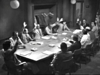 Ver vídeo  'Estudio 1 - Doce hombres sin piedad'