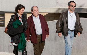 Ver v?deo  'Los ex altos cargos de CiU, Lluìs Prenafeta y Maciá Alavedra, salen de prisión'