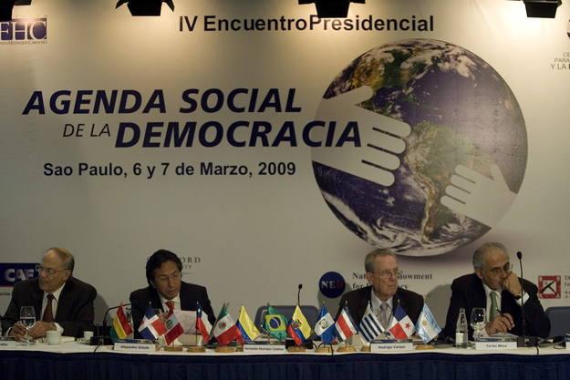 EX PRESIDENTES PROPONEN UN CONSENSO SOCIAL DE AMÉRICA LATINA
