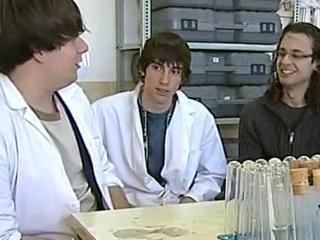 Ver vídeo  'Experimentos en el espacio con Youtube Space Lab'