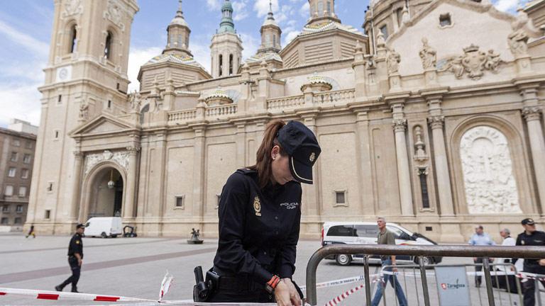 Una explosión en la basílica de El Pilar obliga a desalojar el templo