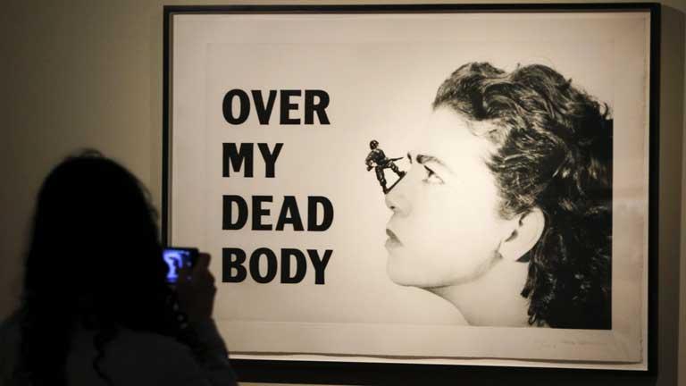 """""""Contraviolencias"""", una exposición que denuncia la violencia contra las mujeres"""