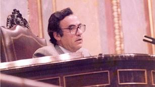 Ver vídeo  'El expresidente del Congreso Landelino Lavilla recuerda la figura de Peces-Barba'