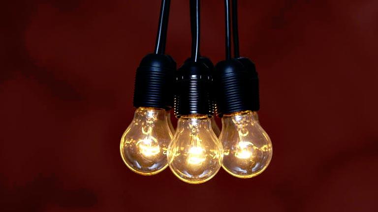 Facua dice que los supuestos descuentos de las eléctricas encarecen hasta un 11% la factura