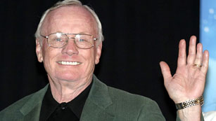 Ver vídeo  'Fallece el astronauta Neil Armstrong, primer hombre que pisó la Luna'