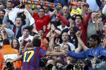 El delantero del FC Barcelona Pedro Rodríguez celebra su gol, el segundo de su equipo, frente al Real Valladolid.