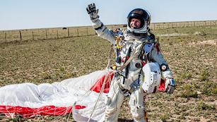 Ver vídeo  'Félix Baumgartner, el hombre récord del salto desde la estratosfera'