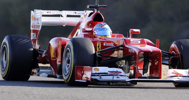 Fernando Alonso, en la sesión matinal de los terceros entrenamientos del circuito de Jerez.