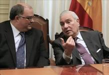 Fernando de Rosa, vicepresidente del CGPJ, junto a Carlos Dívar, presidente.