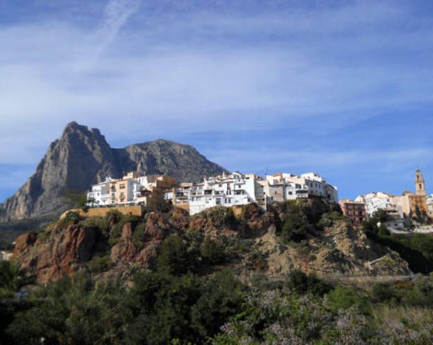 Finestrat - El casco histórico de la localidad, de día