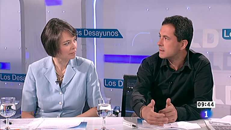 Los desayunos de TVE - Fiona Ortiz  y Fran&ccedil;ois Musseau, corresponsales de Reuter y de Lib&eacute;ration