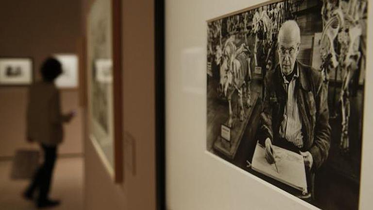 El fotógrafo Henry Cartier Bresson es el protagonista de la exposición que recoge la Fundación MAPFRE en Madrid