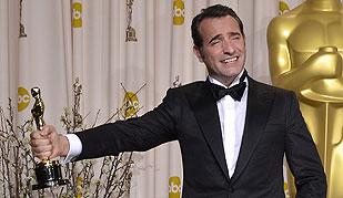 Ver vídeo  'La francesa 'The Artist' se lleva cinco estatuillas y se convierte en la gran triunfadora de los Oscar'