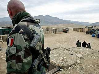 Ver vídeo  'Francia suspende sus operaciones tras la muerte de cuatro militares'