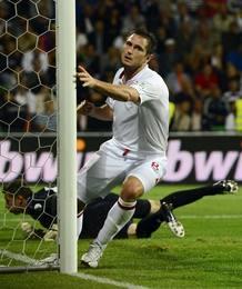 Frank Lampard marcó dos goles en el 5-0 de Inglaterra a Moldavia.