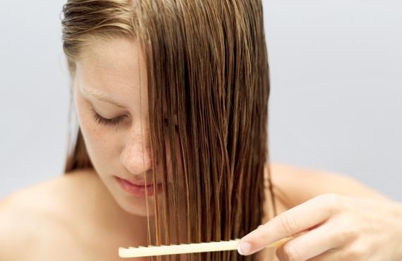 Frena la caída de cabello comiendo sano
