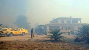 Ver vídeo  'El fuego que avanza sin control en el Alt Empordà se ha cobrado ya cuatro víctimas mortales'
