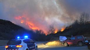 Ver vídeo  'El fuego ha obligado a evacuar 14 pueblos de la comarca de la Ribagorza'