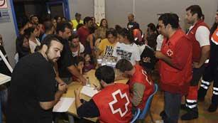 Ver vídeo  'El fuego en la Sierra Negra de Málaga causa la muerte a una persona y obliga a desalojar a 5.000 vecinos'