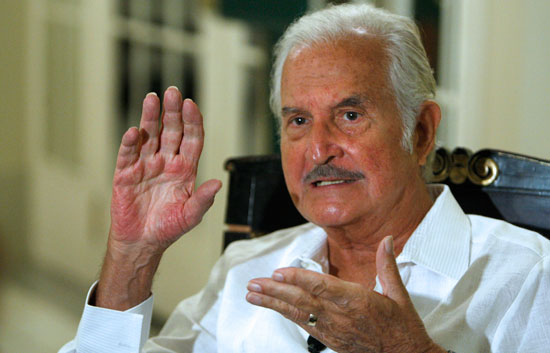 El escritor mexicano Carlos Fuentes habla en Madrid de su nueva novela, 'Adán en Edén'