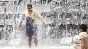 Ver vídeo  'Fuerte ola de calor en todo el páis'