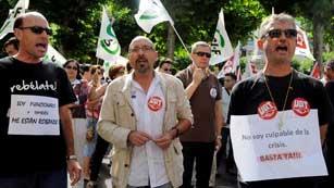 Ver vídeo  'Los funcionarios llevan de nuevo a la calle su protesta contra los recortes'