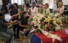 Grupos de derechos humanos acompañan a la familia del disidente cubano fallecido.