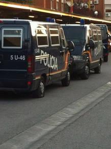 furgonetas policía ruedas pinchadas Moratalaz
