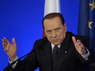 Ver vídeo  'El futuro político de Berlusconi cotiza en bolsa'
