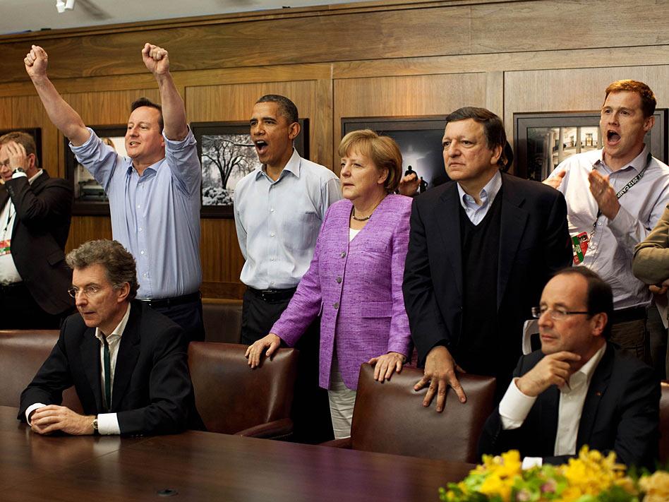 En el G-8 del mes de mayo, los líderes mundiales mostraron sus debilidades más mundanas al vivir la final de la Champions League que disputaron el Chelsea y el Bayern Munich. David Cameron sufrió hasta el final pero vio a su equipo coronarse campeón