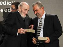 El ganador del Premio Nadal, Alvaro Pombo (i), y Rafael Nadal, Premio Pla de prosa en catalán