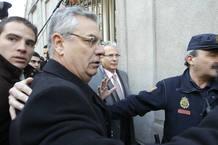 El juez Baltasar Garzón llega al Tribunal Supremo para ser juzgado por prevaricación por investigar las fosas del franquismo.