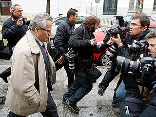 Ver vídeo  'Garzón niega haber recibido el dinero del Santander'