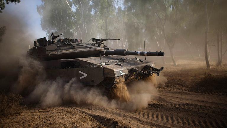 Gaza amanece envuelta en combates tras una noche de fuertes bombardeos