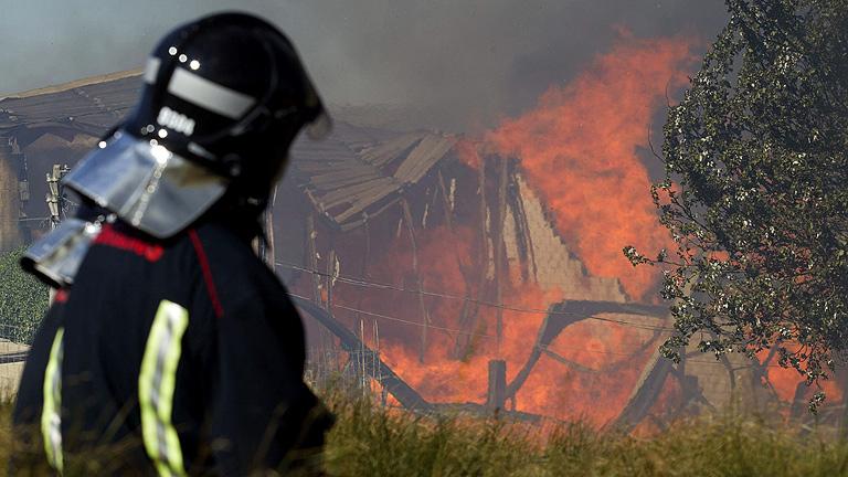 La Generalitat confía en controlar hoy el incendio del Empordà