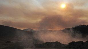 Ver vídeo  'La Generalitat confía en controlar hoy el incendio del Empordà'