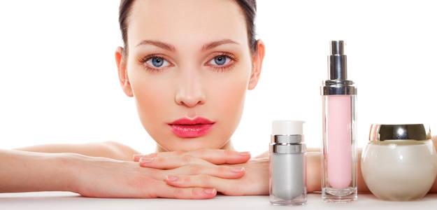 ¿Qué productos debemos acplicarnos cada día sobre la piel?